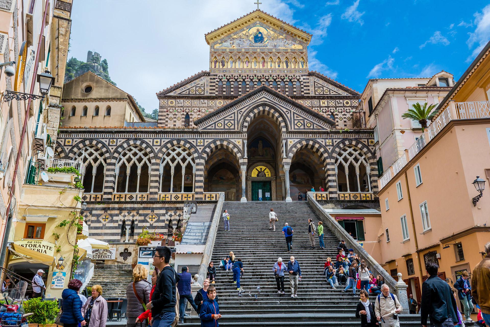 Pullman Napoli - Amalfi. Orari e biglietti | Omio (GoEuro)